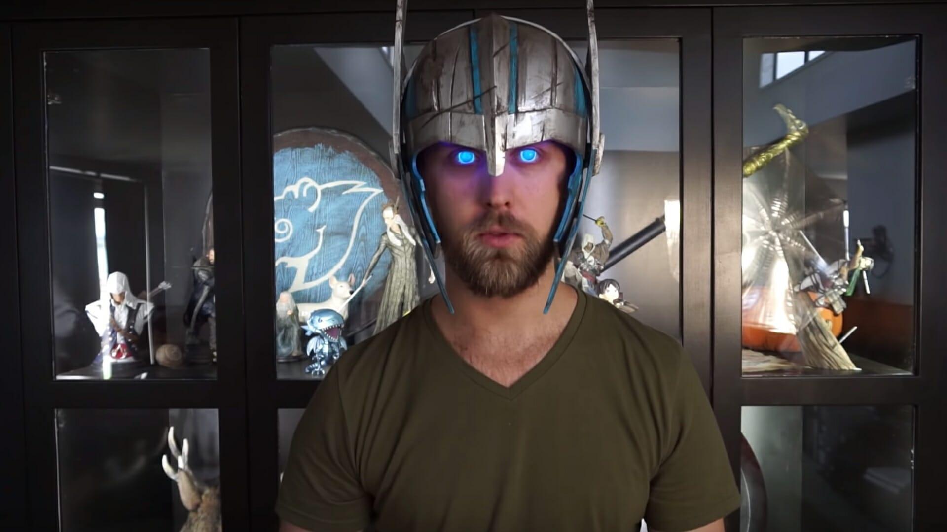 Glowing eyes Thor cosplay