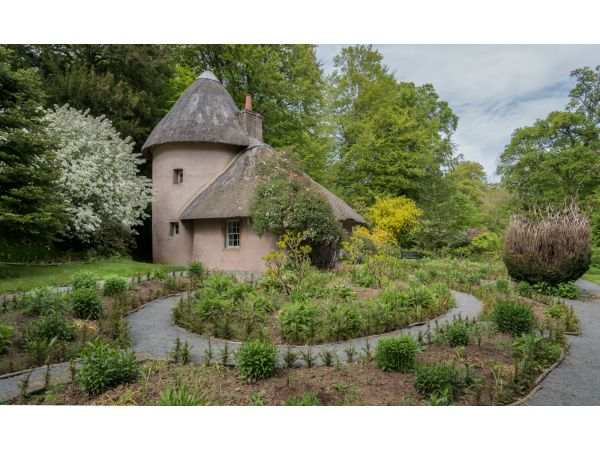 Thatched cottage at Mellerstain Gardens
