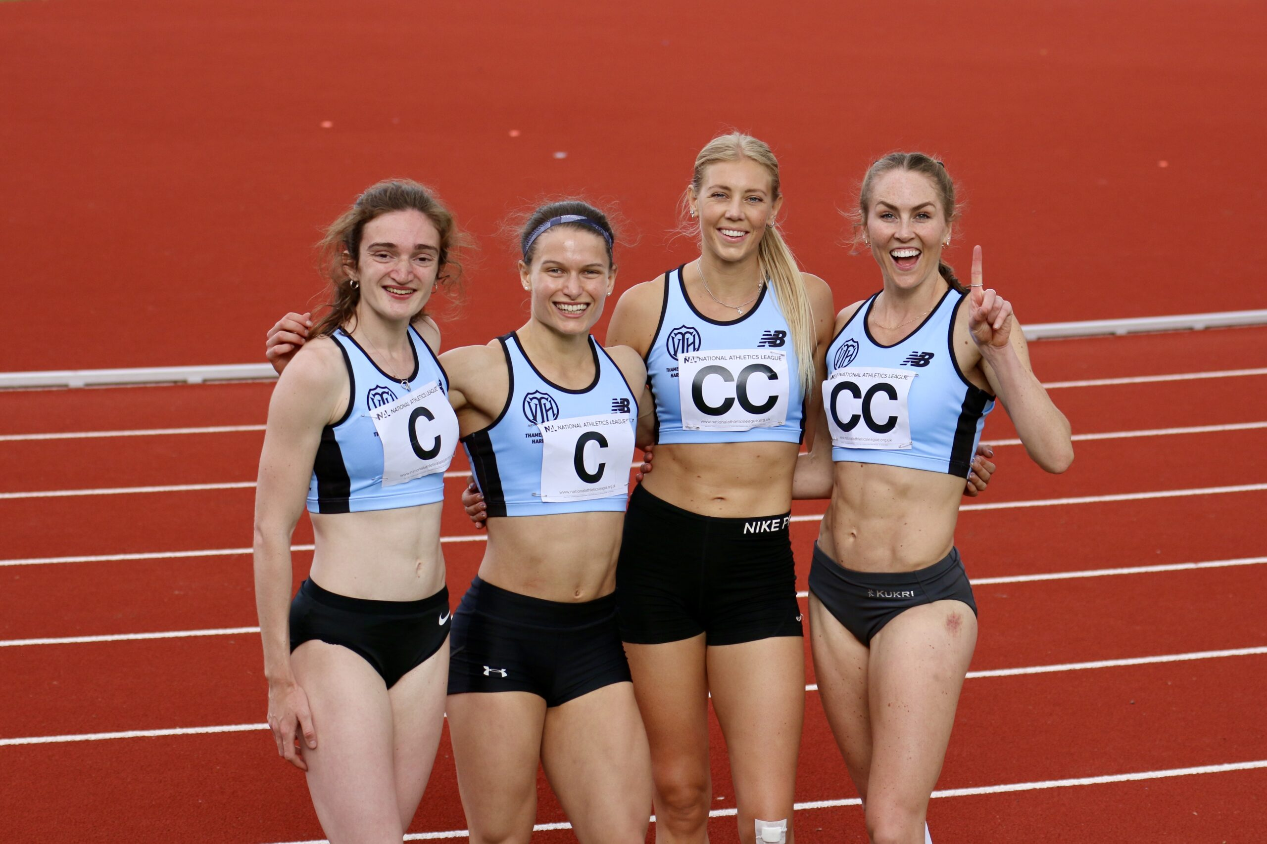 women's 4x400m at Bromley