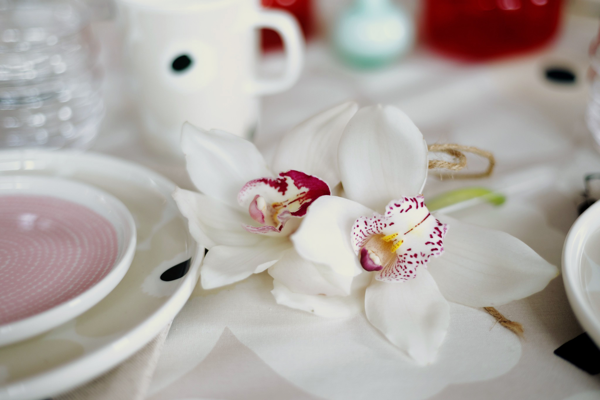 Marimekko flower vase red mini vase mint marimekko porslin oiva unikko beige gul ranunkel