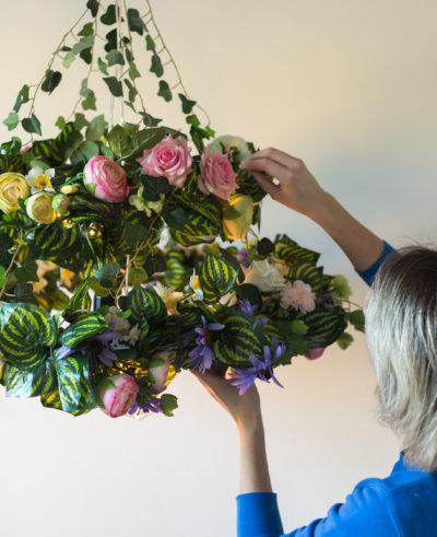 Superskaparna – Takkrona med blommor |Anna María