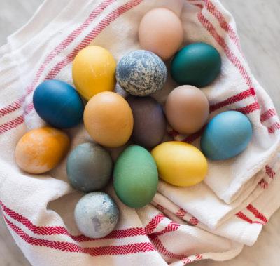 Färga ägg naturligt - Larsson och Lyth