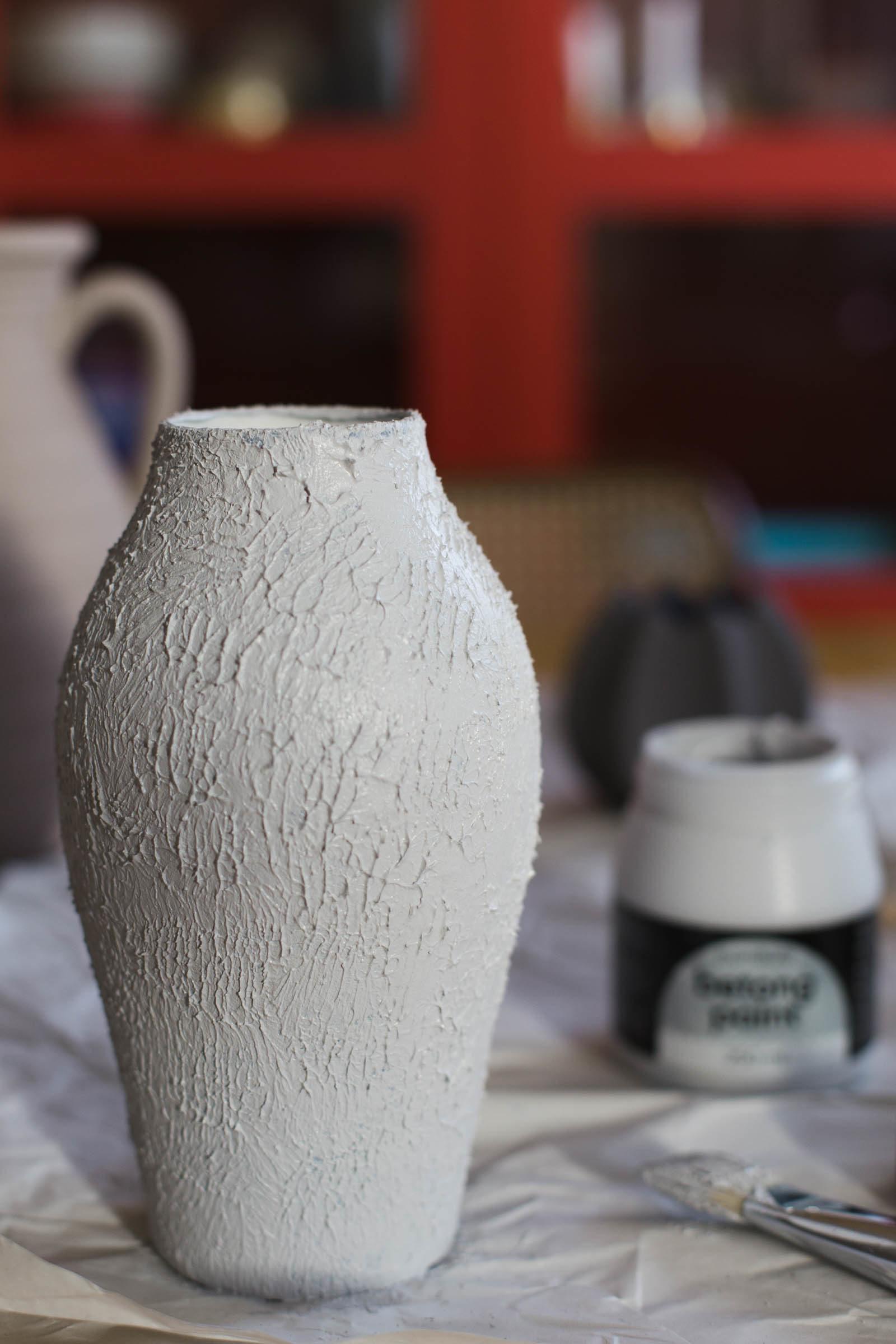UPCYCLE - Måla betongfärg på en loppisfyndad vas