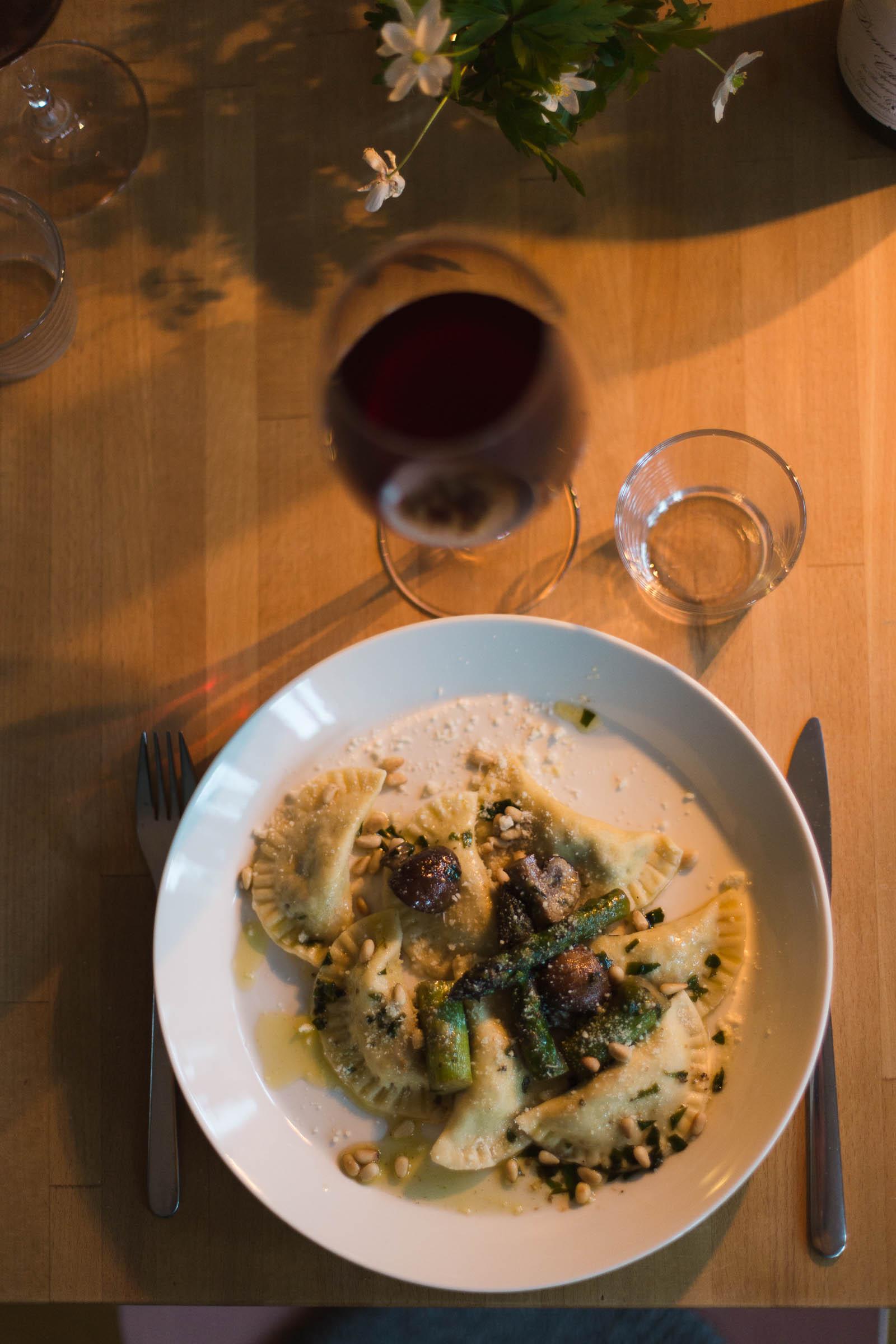 Ravioli med ramslök, riccota, svamp och citron