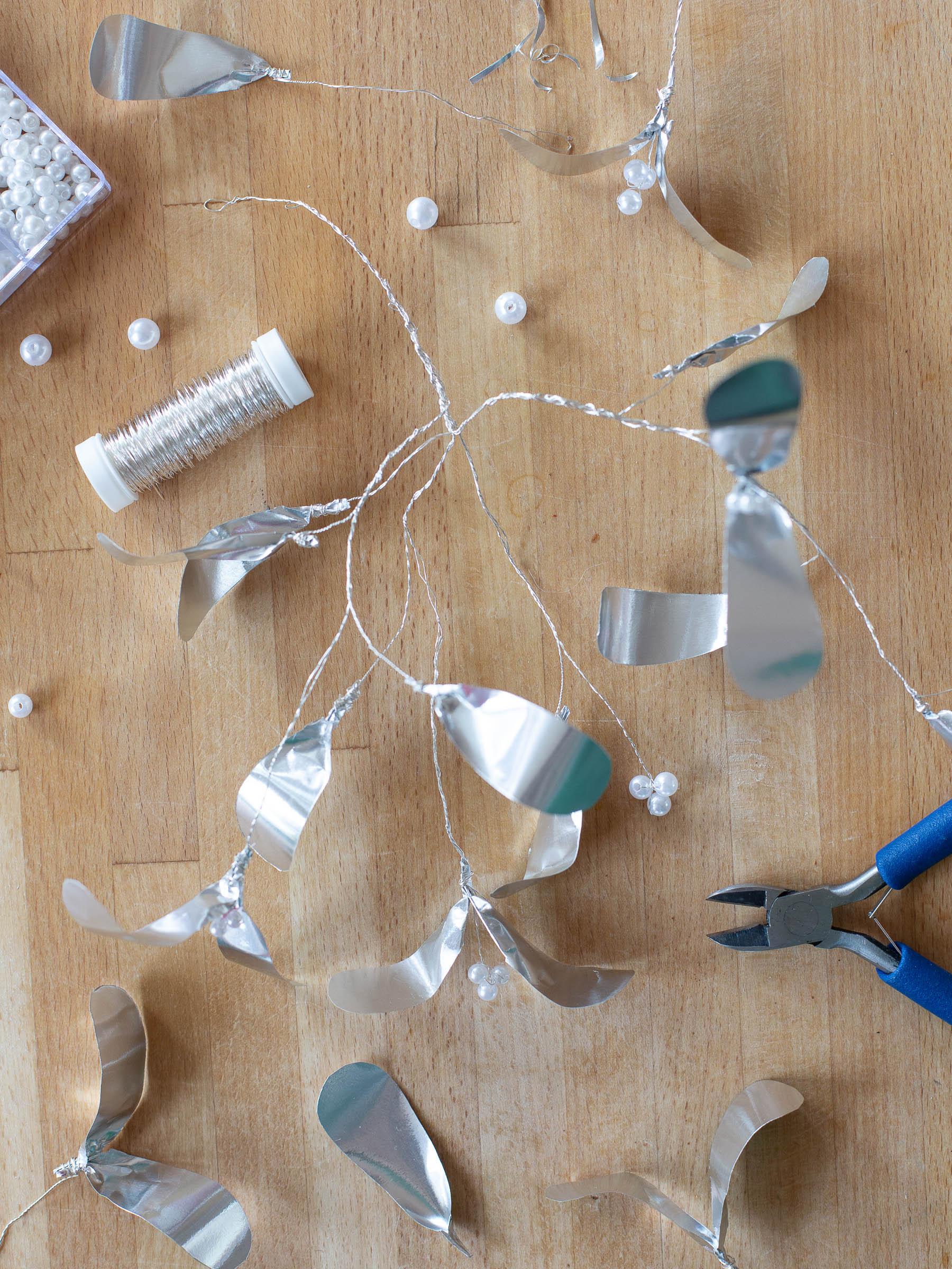 DIY - Krans av metallpapper
