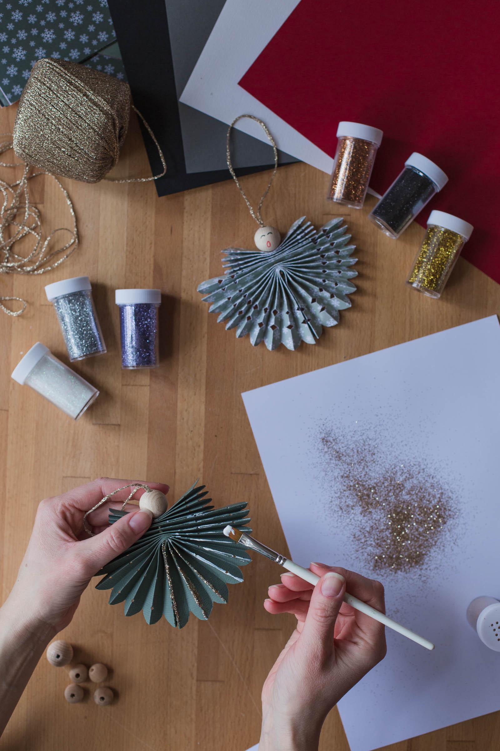 DIY - Vik en pappersangel - Dnilva