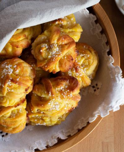 Saffransbullar med mandelmassa & vanilj - RECEPT