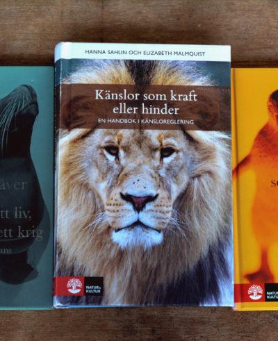 Att leva ett liv, inte vinna ett krig av Anna Kåver. Känslor som kraft eller hinder av Hanna Sahlin och Elizabeth Malmquist. Vem är det som bestämmer i ditt liv? av Åsa Nilsonne