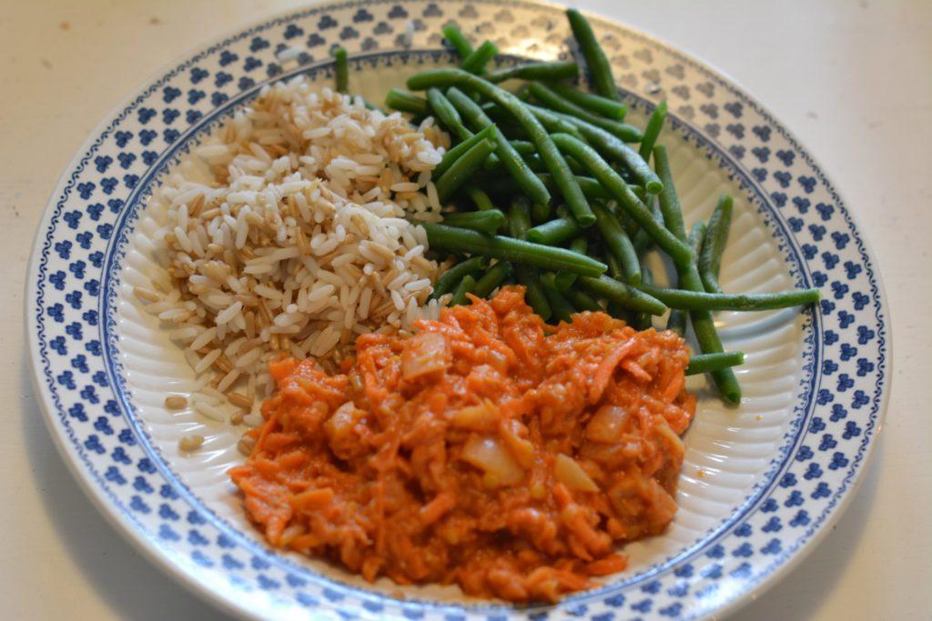 Linsstroganoff med ris och haricots verts.