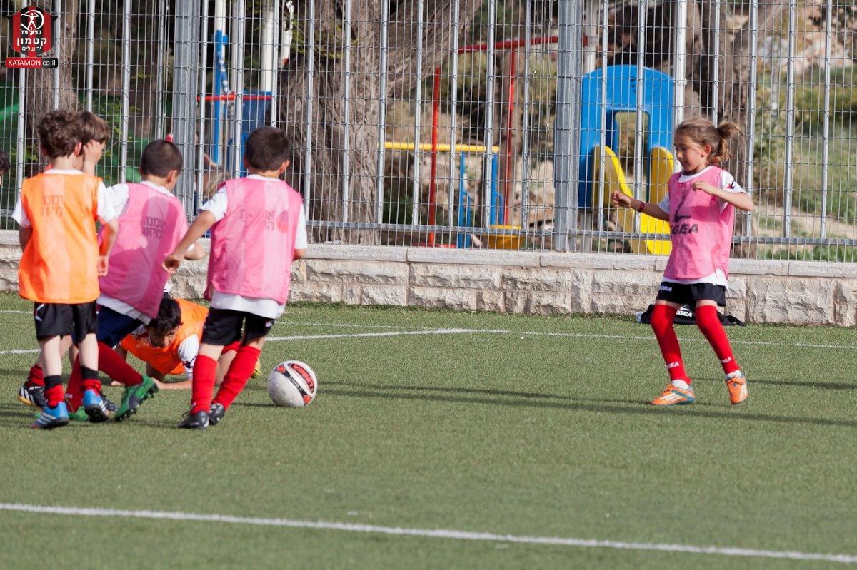 בית הספר לכדורגל מארח את עוז ואבירם