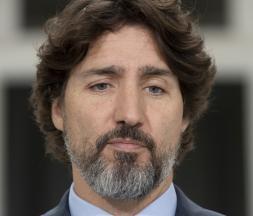 Interrogé sur Donald Trump, Trudeau laisse planer un très long silence