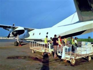 humanitarian cargo transportation, humanitarian logistics, loading aircraft with humanitarian cargo in CAR