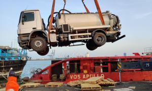 Media Image : Sea transport of sewage truck to Aden on behalf of Oxfam