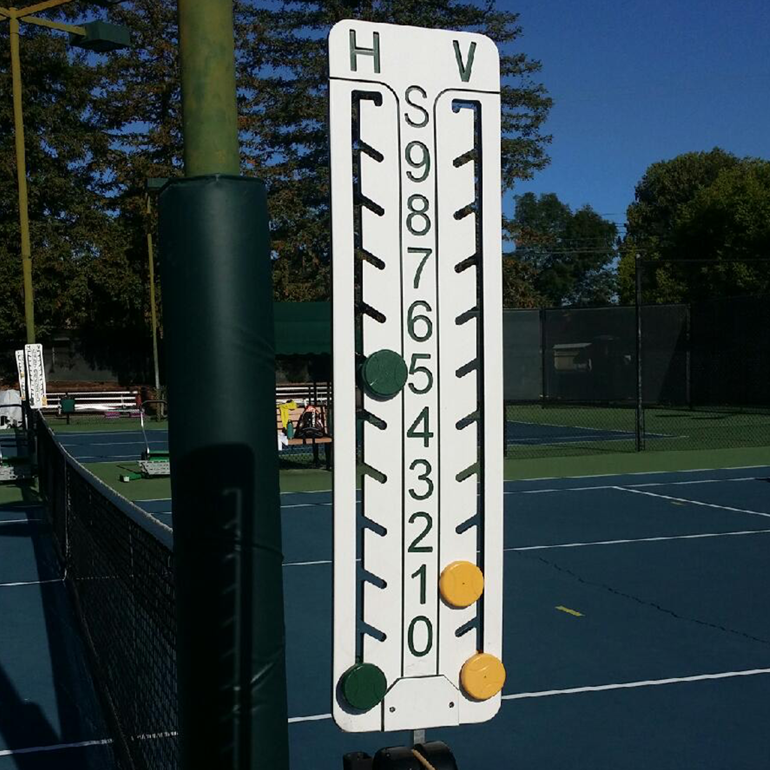 Tennis court with a point tracker