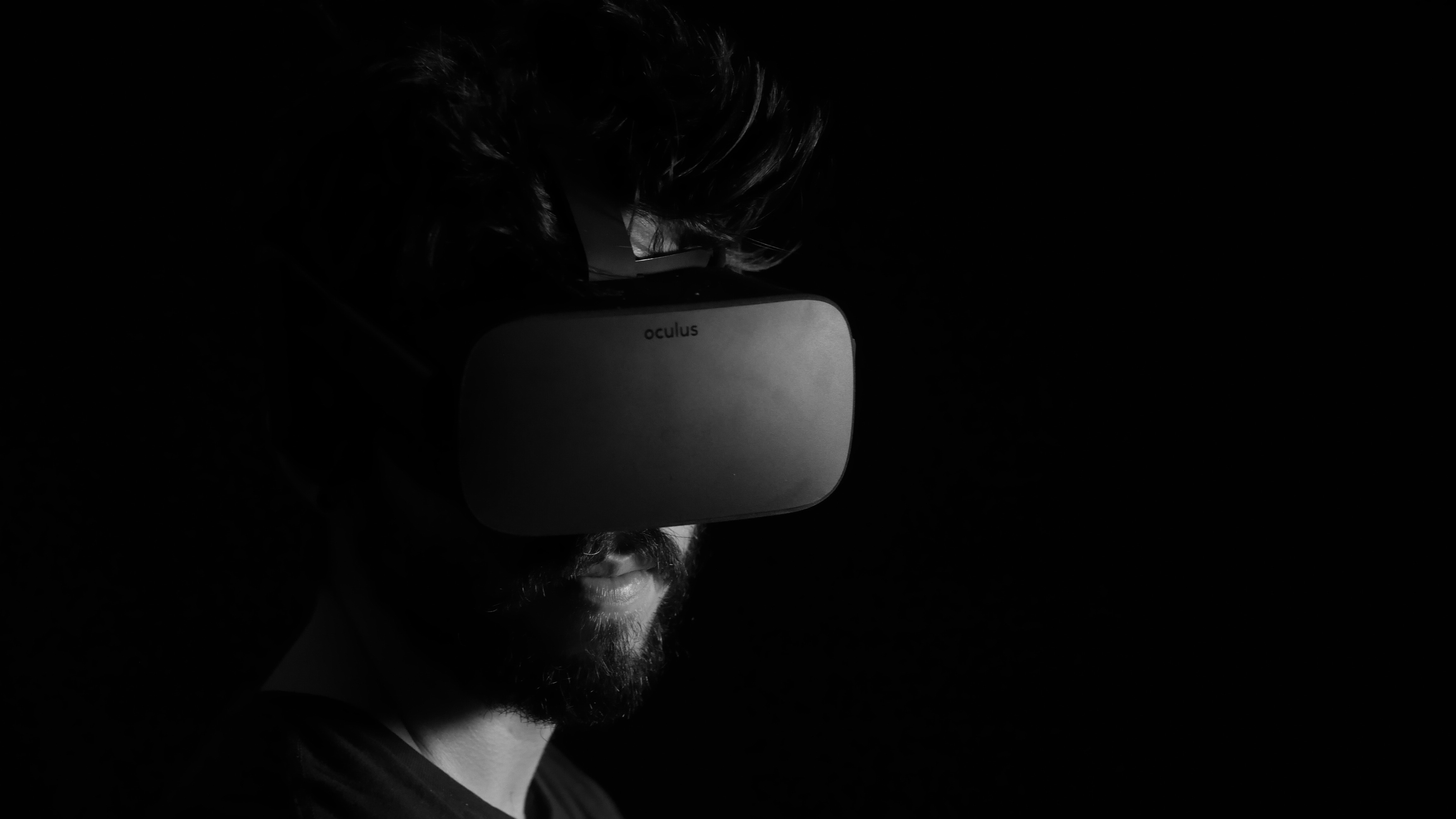 Virtual reality for escape rooms