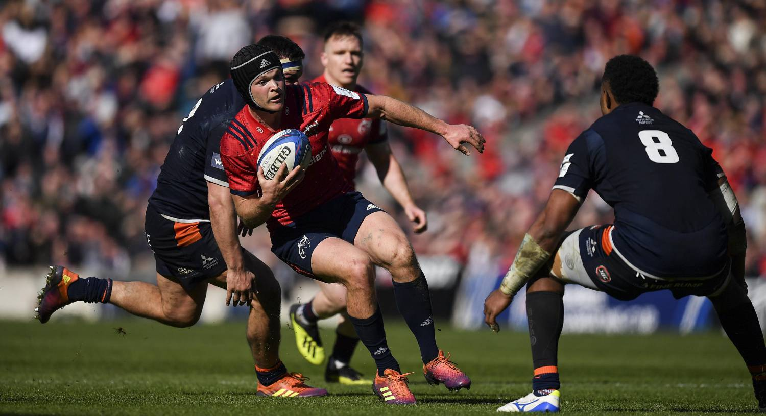 Tyler Bleyendaal in action against Stuart McInally and Bill Mata of Edinburgh during the Heineken Champions Cup Quarter-Final last year. Photo by Brendan Moran/Sportsfile