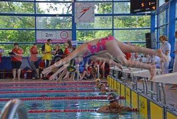VIDEO: Day one starts at Swindon Dolphin meet