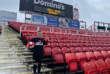 VIDEO: Brodey completes amazing keepy up challenge at the County Ground