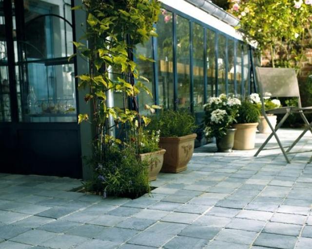 Comment faire les fondations de sa terrasse ?