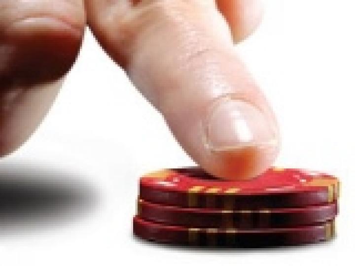 Comment jouer avec un tapis de moins de 10 blinds en tournoi