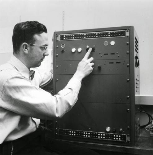 L'incroyable IA de 1950 qui pouvait jouer GTO ou exploitant !