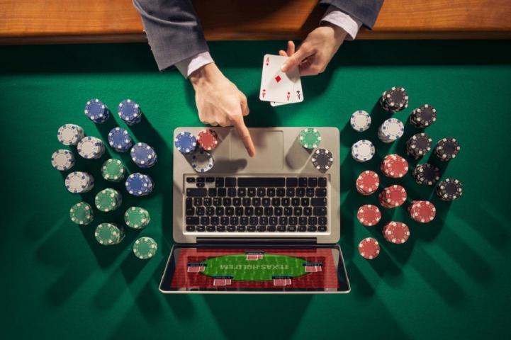 Quel ordinateur vous faut-il pour jouer au Poker en 2020 ?