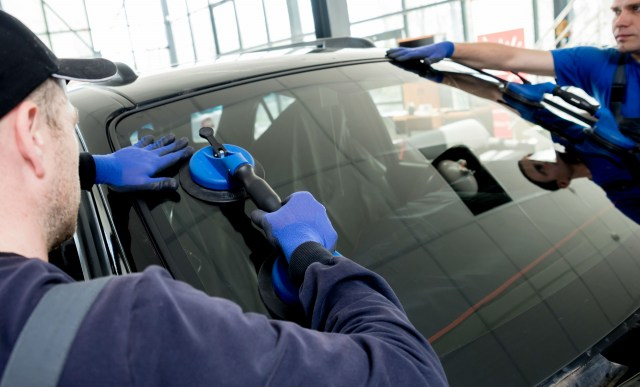 Car Glass Repair Specialists 4