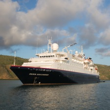 Silver Discoverer at sea