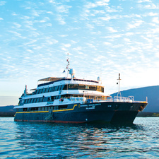 Lindblad Expeditions - National Geographic Islander