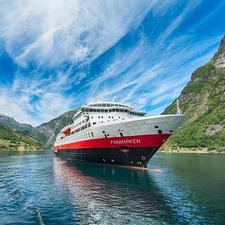 Hurtigruten - MS Finnmarken in Geiranger