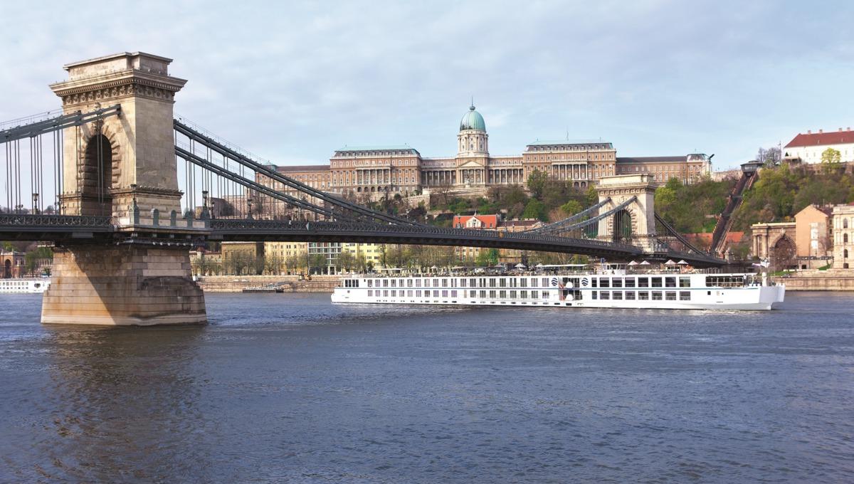 River Beatrice exterior