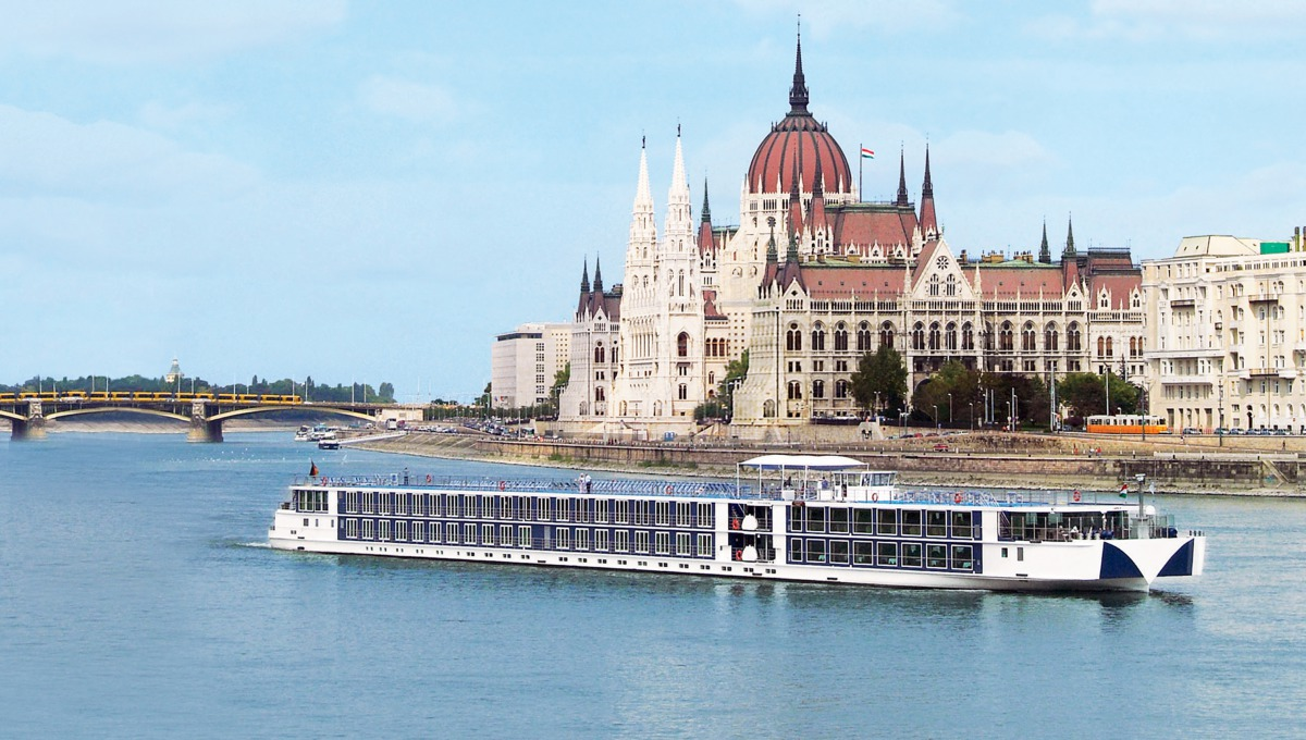 River Beatrice in Budapest