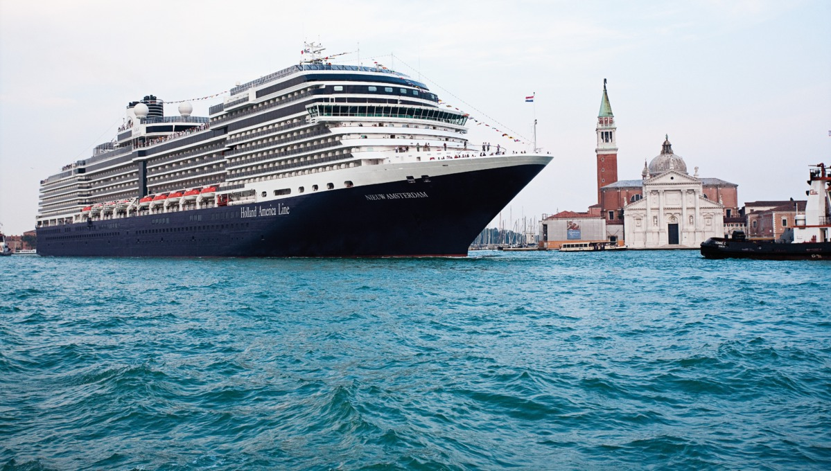 Holland America Line cruises - MS Nieuw Amsterdam in Venice