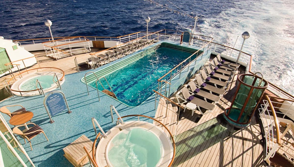 Holland America Line cruises - MS Prinsendam pool deck