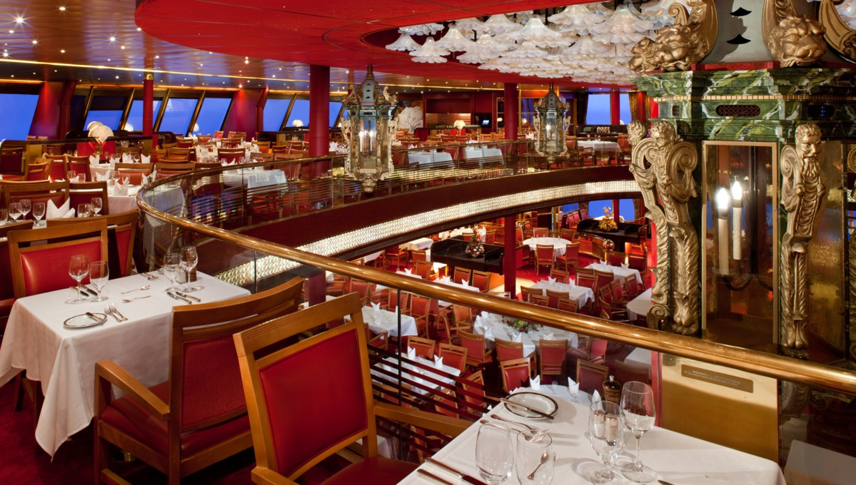 Holland America Line cruises - MS Veendam dining room