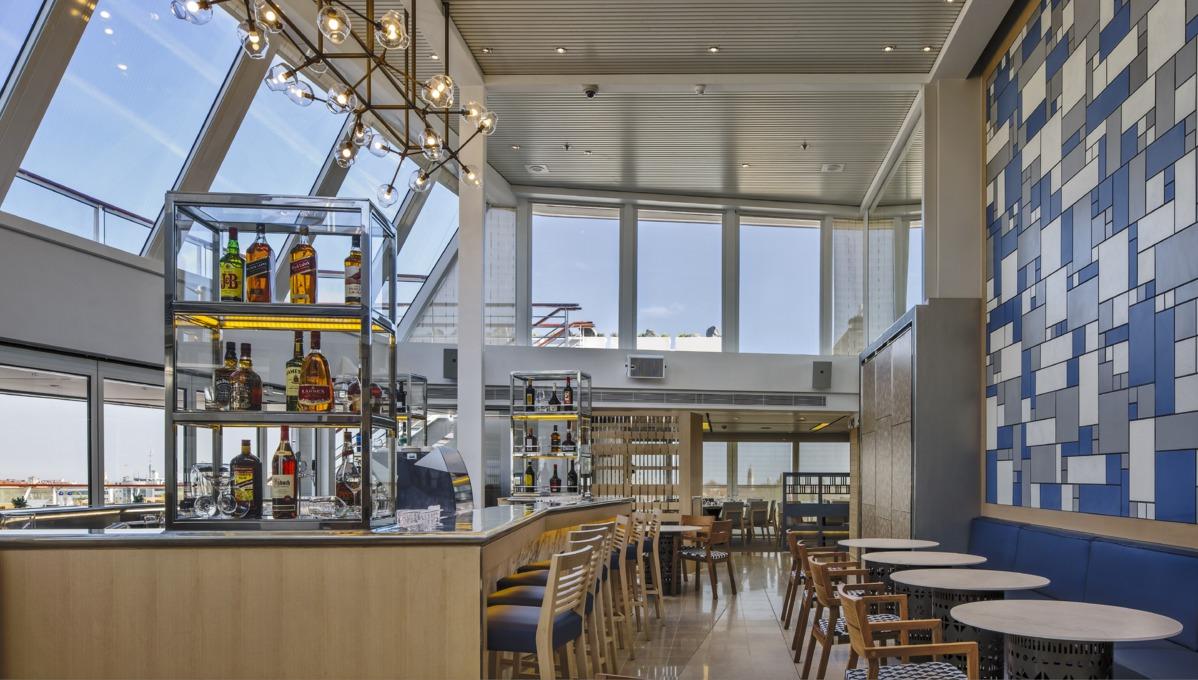 Viking Ocean Cruises - Viking Star Aquavit Terrace bar