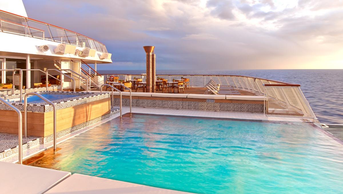 Viking Ocean Cruises - Viking Star Aquavit Terrace infinity pool