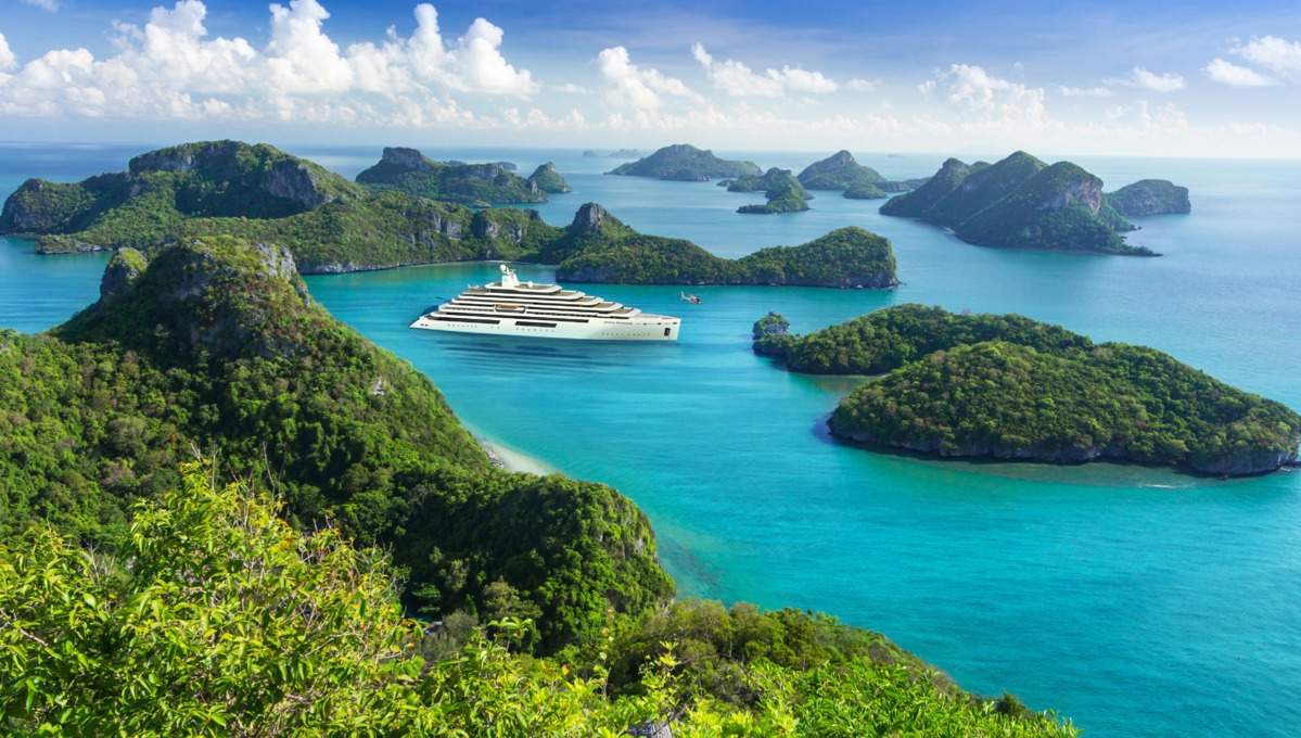Crystal Endeavor - Luxury expedition yacht cruising
