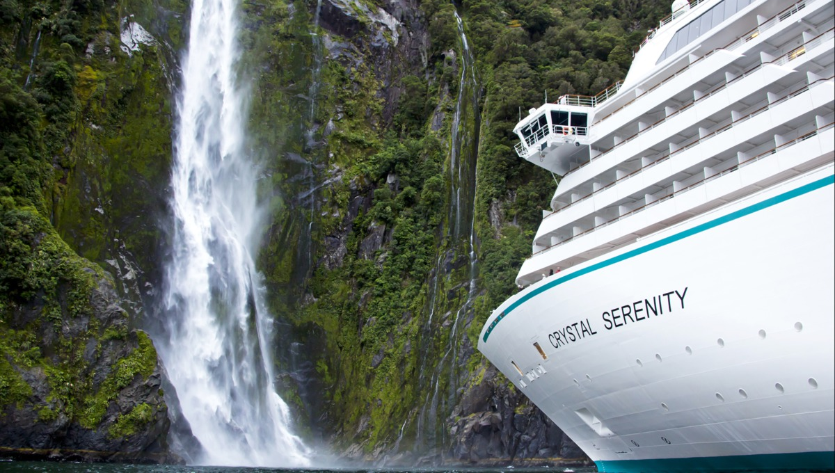 Crystal Cruises - Crystal Serenity Milford Sound