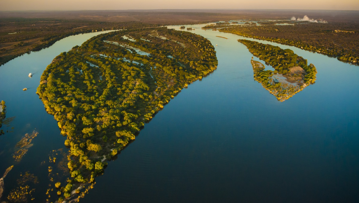 Zambezi river cruise - Aerial view