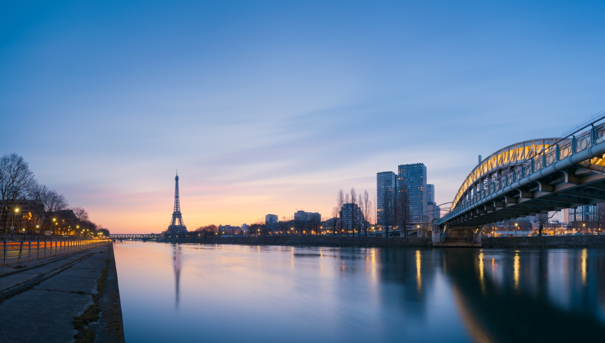 Seine river cruises - Eiffel Tower, Paris