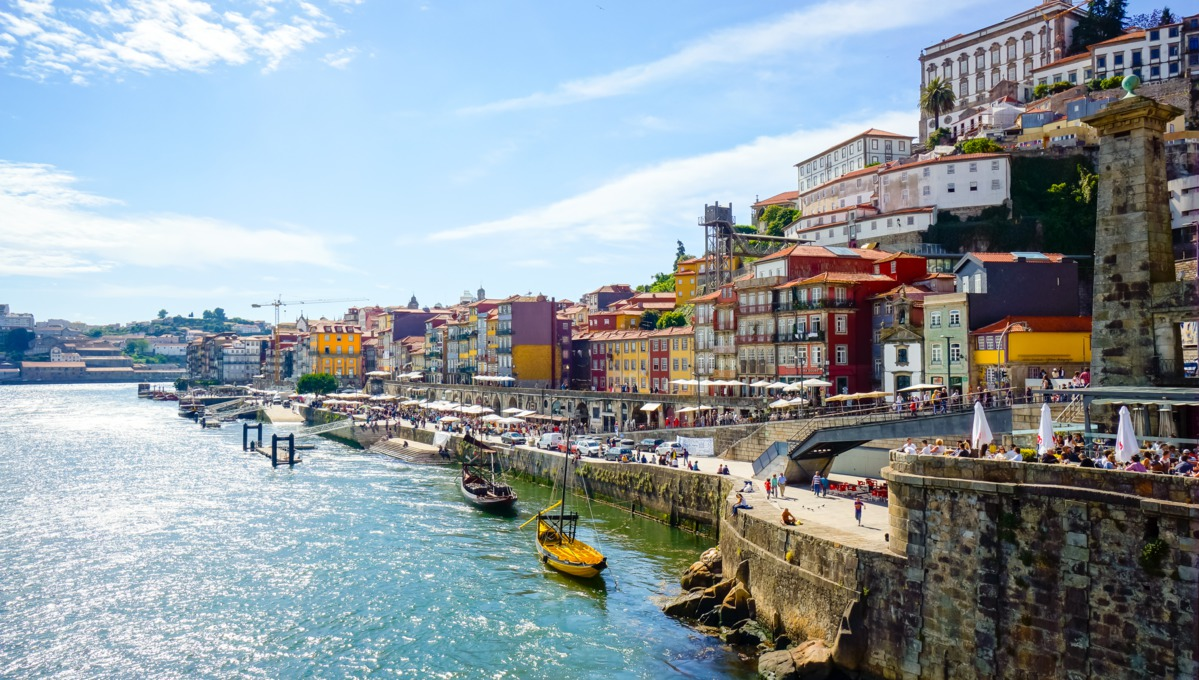 Beer and wine themed cruises - Porto old town