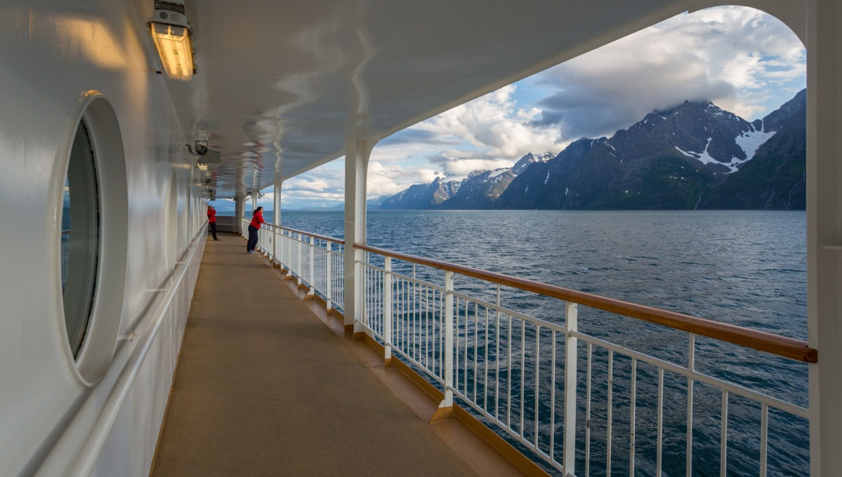 Hurtigruten - MS Midnatsol deck