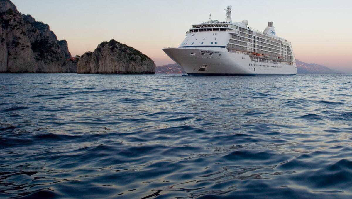 Luxury cruise lines - Regent Seven Seas Voyager