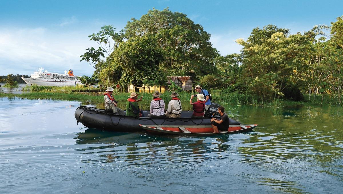 Hapag-Lloyd Cruises - MS Bremen in the Amazon