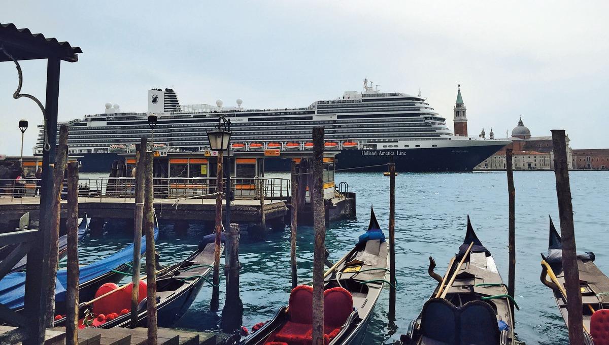 Holland America Line - MS Koningsdam in Venice