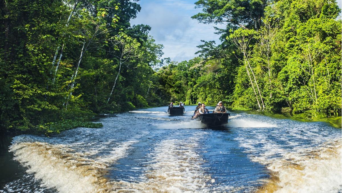 Amazon river cruises - Aqua Expeditions