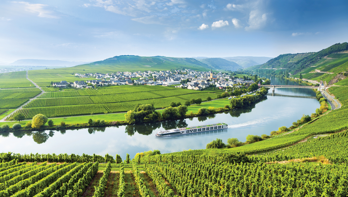 Scenic Opal river cruise on the Rhine
