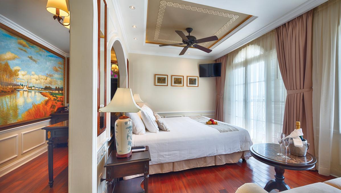 Uniworld River Cruises - Mekong Navigator - Prestige Suite