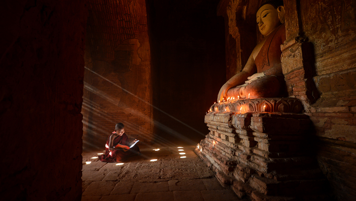 Myanmar & Ayeyarwady river cruises - Novice monk in Bagan